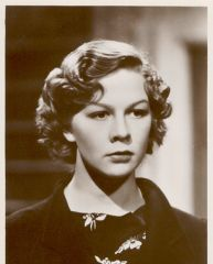 famous quotes, rare quotes and sayings  of Wendy Hiller