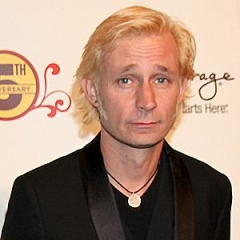 famous quotes, rare quotes and sayings  of Mike Dirnt