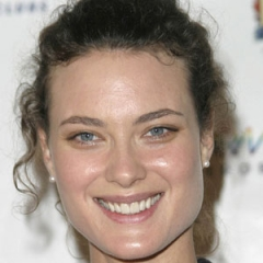 famous quotes, rare quotes and sayings  of Shalom Harlow
