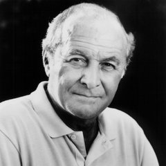 famous quotes, rare quotes and sayings  of Robert Loggia