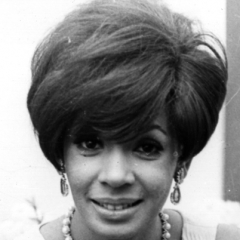 famous quotes, rare quotes and sayings  of Shirley Bassey