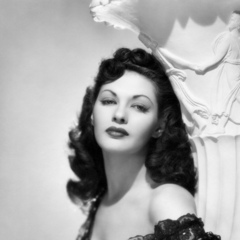 famous quotes, rare quotes and sayings  of Yvonne De Carlo