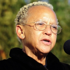 famous quotes, rare quotes and sayings  of Nikki Giovanni