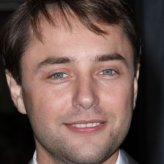 famous quotes, rare quotes and sayings  of Vincent Kartheiser
