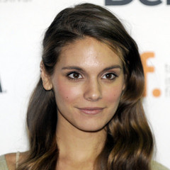 famous quotes, rare quotes and sayings  of Caitlin Stasey