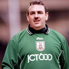 famous quotes, rare quotes and sayings  of Neville Southall