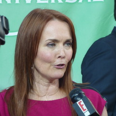 famous quotes, rare quotes and sayings  of Laura Innes