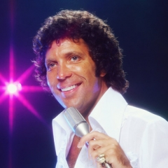famous quotes, rare quotes and sayings  of Tom Jones