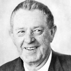 famous quotes, rare quotes and sayings  of Erskine Caldwell