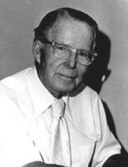 famous quotes, rare quotes and sayings  of Chester Gould