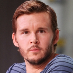 famous quotes, rare quotes and sayings  of Ryan Kwanten