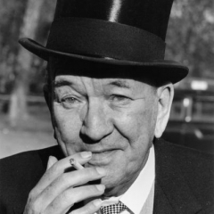famous quotes, rare quotes and sayings  of Noel Coward