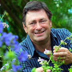 famous quotes, rare quotes and sayings  of Alan Titchmarsh