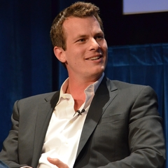 famous quotes, rare quotes and sayings  of Jonathan Nolan
