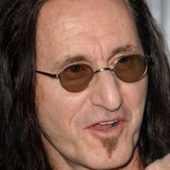 famous quotes, rare quotes and sayings  of Geddy Lee