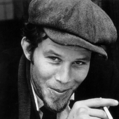 famous quotes, rare quotes and sayings  of Tom Waits