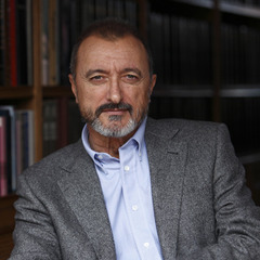 famous quotes, rare quotes and sayings  of Arturo Pérez-Reverte