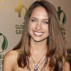famous quotes, rare quotes and sayings  of Maiara Walsh