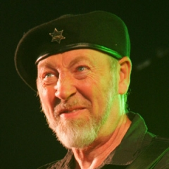 famous quotes, rare quotes and sayings  of Richard Thompson