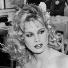 famous quotes, rare quotes and sayings  of Dorothy Stratten