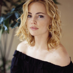 famous quotes, rare quotes and sayings  of Melissa George