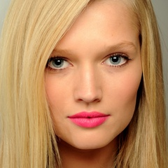 famous quotes, rare quotes and sayings  of Toni Garrn