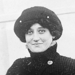 famous quotes, rare quotes and sayings  of Raymonde de Laroche