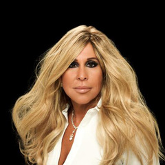 famous quotes, rare quotes and sayings  of Lynn Tilton
