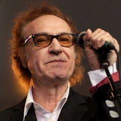 famous quotes, rare quotes and sayings  of Ray Davies