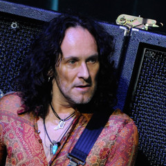 famous quotes, rare quotes and sayings  of Vivian Campbell