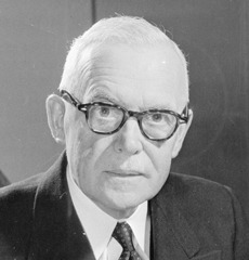 famous quotes, rare quotes and sayings  of Louis St. Laurent
