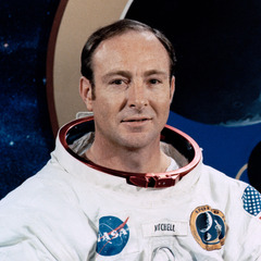 famous quotes, rare quotes and sayings  of Edgar Mitchell