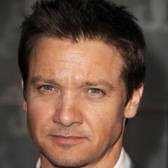 famous quotes, rare quotes and sayings  of Jeremy Renner