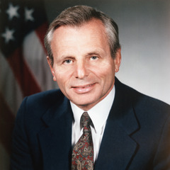 famous quotes, rare quotes and sayings  of Frank Carlucci