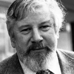 famous quotes, rare quotes and sayings  of Peter Ustinov