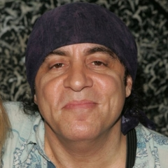 famous quotes, rare quotes and sayings  of Steven Van Zandt