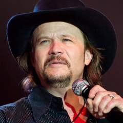 famous quotes, rare quotes and sayings  of Travis Tritt
