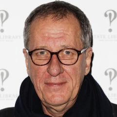 famous quotes, rare quotes and sayings  of Geoffrey Rush