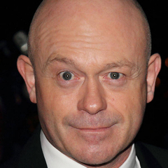 famous quotes, rare quotes and sayings  of Ross Kemp