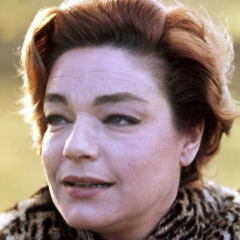 famous quotes, rare quotes and sayings  of Simone Signoret