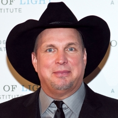 famous quotes, rare quotes and sayings  of Garth Brooks