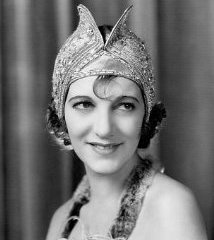 famous quotes, rare quotes and sayings  of Gertrude Lawrence
