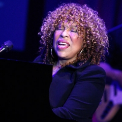 famous quotes, rare quotes and sayings  of Roberta Flack