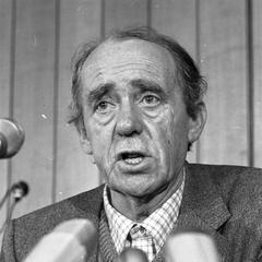 famous quotes, rare quotes and sayings  of Heinrich Böll