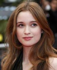 famous quotes, rare quotes and sayings  of Alice Englert