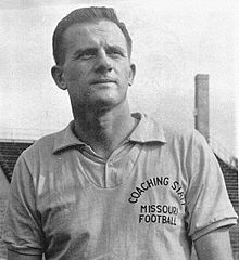 famous quotes, rare quotes and sayings  of Frank Broyles