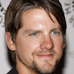 famous quotes, rare quotes and sayings  of Zachary Knighton