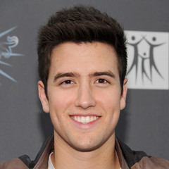 famous quotes, rare quotes and sayings  of Logan Henderson