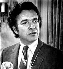 famous quotes, rare quotes and sayings  of Arthur Hiller