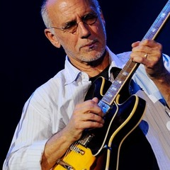 famous quotes, rare quotes and sayings  of Larry Carlton